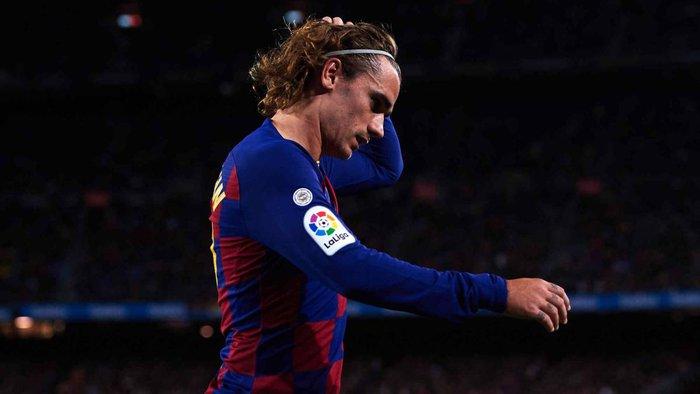 """Griezmann bị CĐV Barca chặn xe và yêu cầu """"tôn trọng"""" Messi - Ảnh 3."""