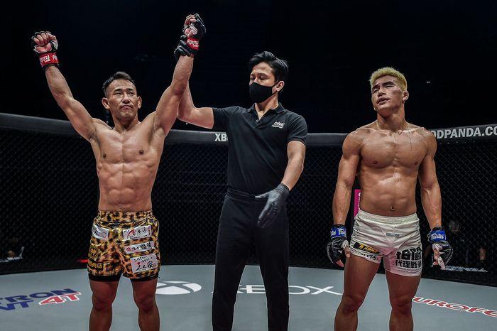 Bại tướng của nhà vô địch Thành Lê tái xuất ấn tượng, đả bại đối thủ bằng đòn knock-out đẹp mắt - Ảnh 9.