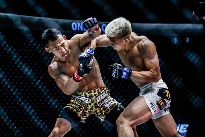 Bại tướng của nhà vô địch Thành Lê tái xuất ấn tượng, đả bại đối thủ bằng đòn knock-out đẹp mắt - Ảnh 3.