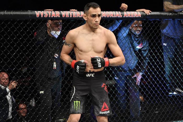 Tony Ferguson chốt kèo thượng đài cùng Charles Oliveira tại UFC 256 - Ảnh 1.