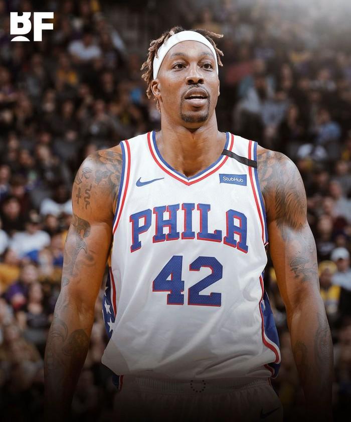"""Dwight Howard """"quay xe"""" ngoạn mục, từ bỏ Los Angeles Lakers để cập bến Philadelphia 76ers - Ảnh 2."""