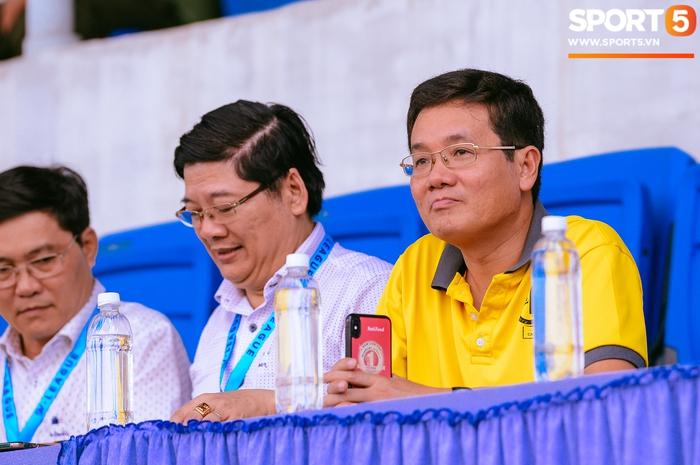 Góp mặt tại bán kết SV-League 2020, ĐH Nông Lâm tiếp tục nhận thưởng nóng sau khi hạ gục đội bóng bầu Hải - Ảnh 4.