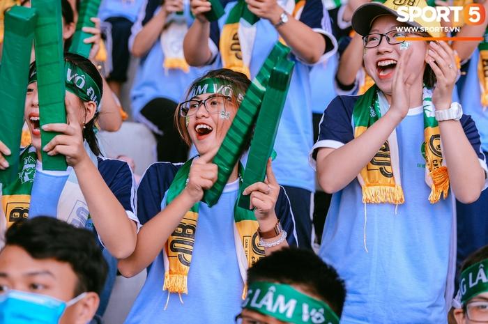 Góp mặt tại bán kết SV-League 2020, ĐH Nông Lâm tiếp tục nhận thưởng nóng sau khi hạ gục đội bóng bầu Hải - Ảnh 8.