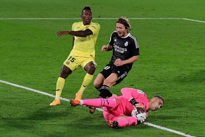 Trình diễn bộ mặt bạc nhược, Real Madrid may mắn thoát thua - Ảnh 3.