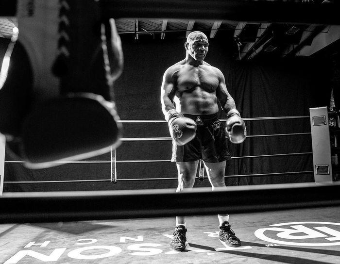 HLV khẳng định Mike Tyson sẽ bất chấp quy định để hạ đo ván Roy Jones: Chẳng ai tập luyện cả tháng trời chỉ để lên đài biểu diễn  - Ảnh 2.