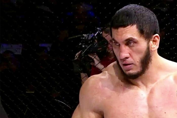 """Tham gia ẩu đả trên đường phố, võ sĩ MMA bất bại bị cảnh sát """"hỏi thăm"""" - Ảnh 1."""