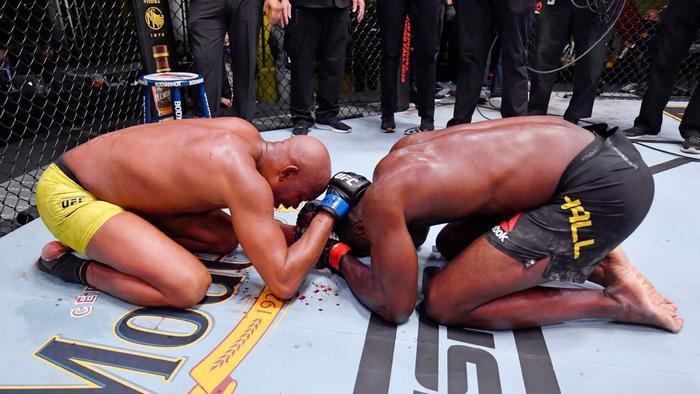 """Rời UFC, Anderson Silva tuyên bố vẫn sẽ tiếp tục thi đấu, thừa nhận đã bị """"ép giải nghệ"""" - Ảnh 2."""