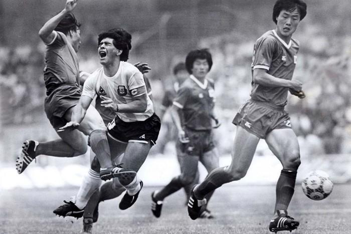 Diego Maradona có thực sự vĩ đại, và tốt hơn Messi hay Ronaldo? - Ảnh 2.
