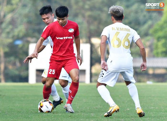 Tân binh của ĐTQG nhạt nhòa trong ngày HLV Park Hang-seo dự khán giải U21 Quốc gia - Ảnh 1.