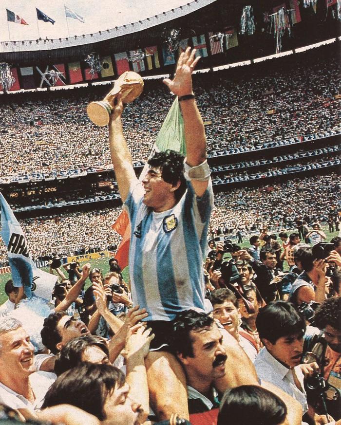 Diego Maradona có thực sự vĩ đại, và tốt hơn Messi hay Ronaldo? - Ảnh 1.