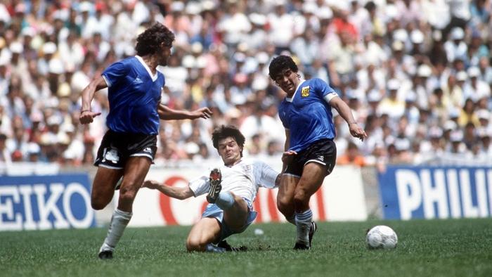 """Áo Maradona mặc ở siêu phẩm """"bàn tay của chúa"""" giá 2 triệu USD - Ảnh 3."""