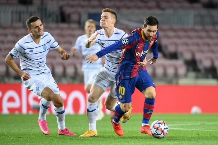 Messi lập kỷ lục trên chấm penalty, Barca nhọc nhằn giành 3 điểm - Ảnh 4.