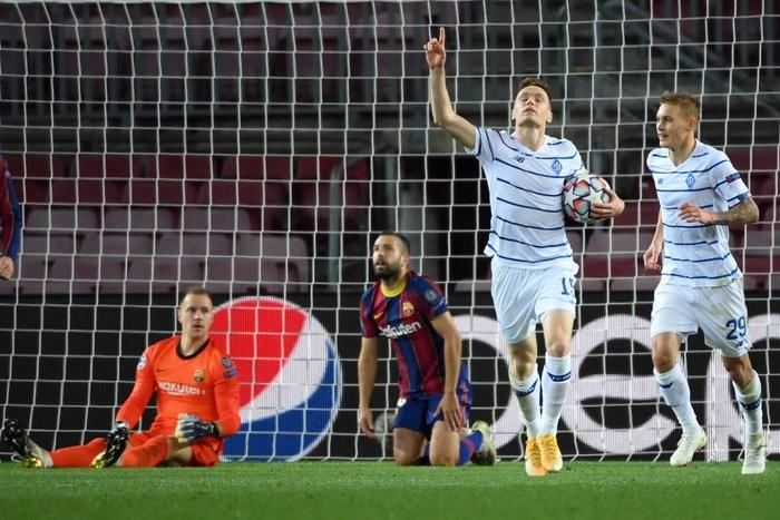 Messi lập kỷ lục trên chấm penalty, Barca nhọc nhằn giành 3 điểm - Ảnh 8.