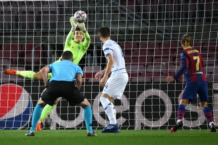 Messi lập kỷ lục trên chấm penalty, Barca nhọc nhằn giành 3 điểm - Ảnh 5.