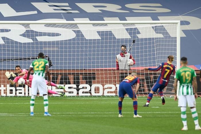 Sau trận đấu bị chê lười nhác, Messi ngồi ghế dự bị nhưng rồi Leo lại chứng tỏ Barcelona không thể thiếu anh - Ảnh 8.