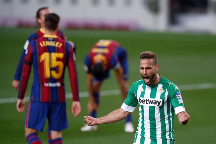 Sau trận đấu bị chê lười nhác, Messi ngồi ghế dự bị nhưng rồi Leo lại chứng tỏ Barcelona không thể thiếu anh - Ảnh 9.