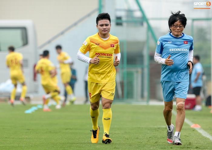 """Quang Hải trở nên """"mong manh dễ vỡ"""", tuyển Việt Nam và Hà Nội FC cảnh giác - Ảnh 2."""