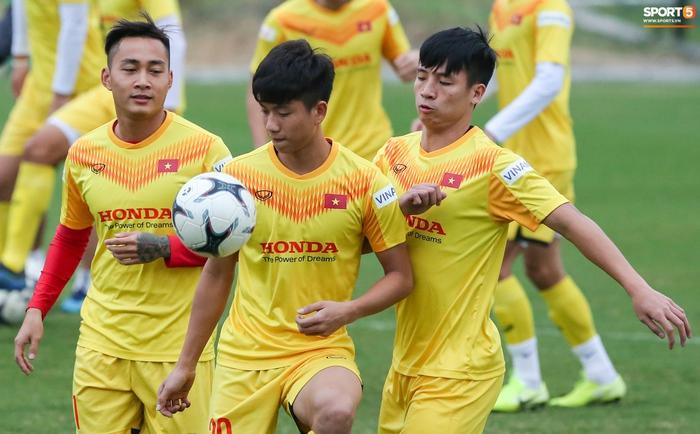 Tuyển Việt Nam công bố danh sách tập trung cho vòng loại World Cup 2022 tại UAE - Ảnh 1.
