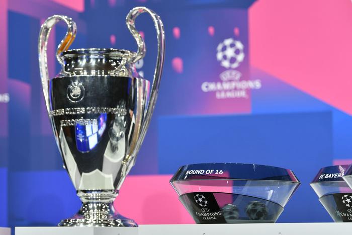 Nhận định chuyên gia cặp đấu duyên nợ Barcelona và PSG vòng 1/8 Champions League - Ảnh 1.