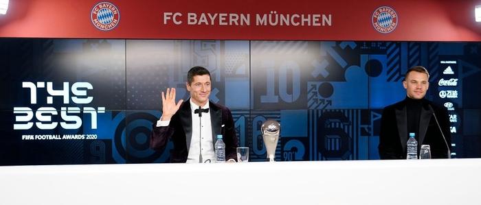 Ronaldo và Messi làm nền cho Lewandowski tại lễ trao giải Cầu thủ xuất sắc nhất thế giới - Ảnh 5.
