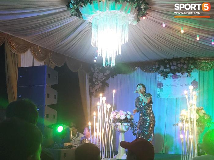 Không khí đám cưới chuẩn truyền thống của Công Phượng - Ảnh 2.
