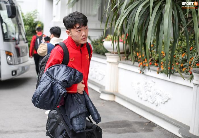 HLV Kiatisuk gửi thông điệp đến Công Phượng, Xuân Trường trước ngày lên tuyển Việt Nam - Ảnh 2.