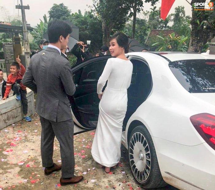 Công Phượng chăm sóc Viên Minh từng li trong lễ cưới ở Nghệ An - Ảnh 2.