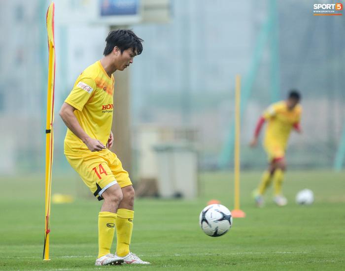 HLV Park Hang-seo bị Tuấn Anh trêu, không cho tham gia trò chơi ở tuyển Việt Nam - Ảnh 6.