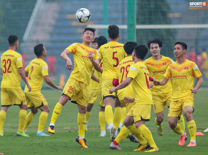 HLV Park Hang-seo bị Tuấn Anh trêu, không cho tham gia trò chơi ở tuyển Việt Nam - Ảnh 9.