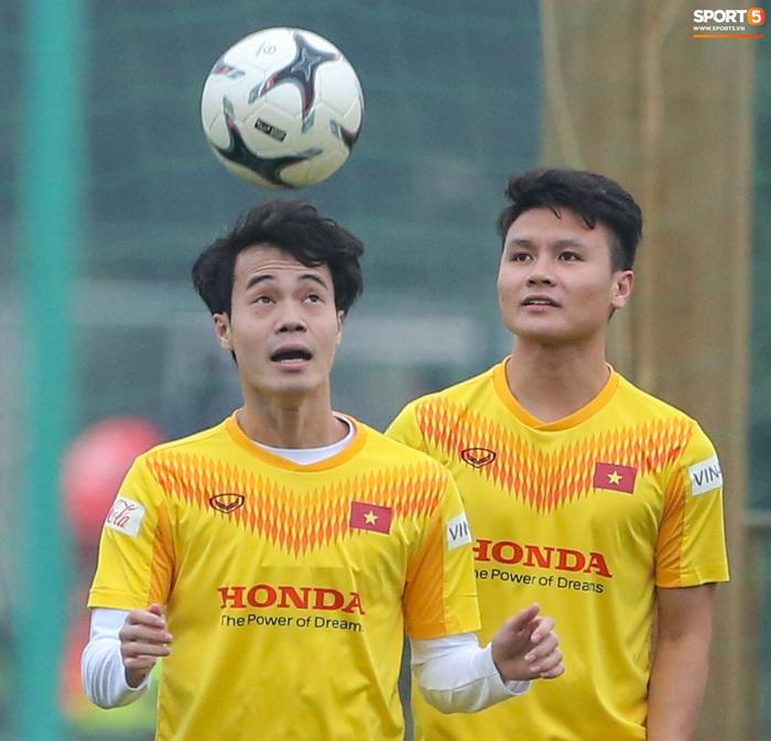 HLV Park Hang-seo bị Tuấn Anh trêu, không cho tham gia trò chơi ở tuyển Việt Nam - Ảnh 10.