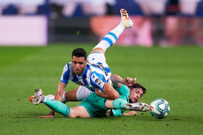 Chàng thủ quân điển trai lập kỷ lục giúp Real Madrid vượt mặt đại kình địch Barcelona, vươn lên ngôi đầu La Liga - Ảnh 1.