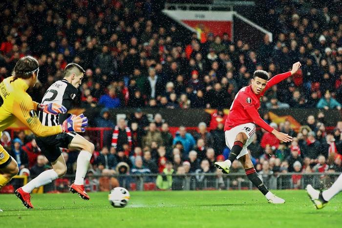 Tốt hơn cả Van Persie, tài năng trẻ đang gây sốt xình xịch trong màu áo Manchester United đã sẵn sàng trở thành một siêu sao - Ảnh 1.