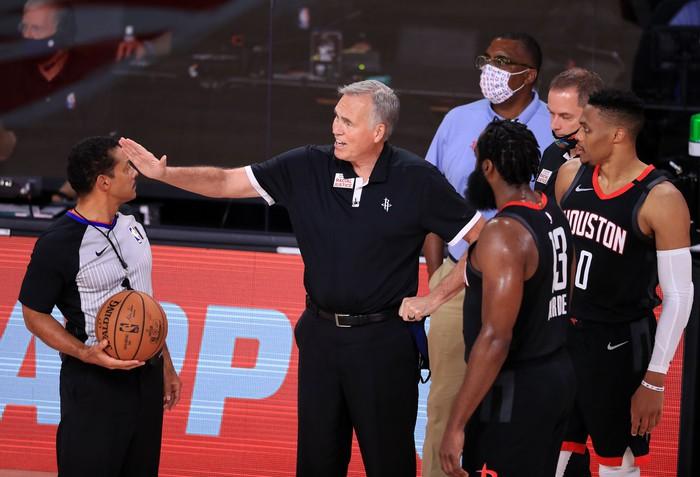 Houston Rockets chia tay HLV Mike D'Antoni: Kỷ nguyên small ball đã đến hồi kết thúc? - Ảnh 1.