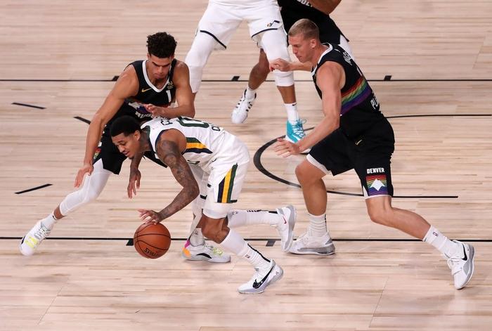 """Đạp vào """"vết xe đổ"""" của Golden State Warriors, Utah Jazz chia tay Playoffs sau khi dẫn trước 3-1 - Ảnh 2."""