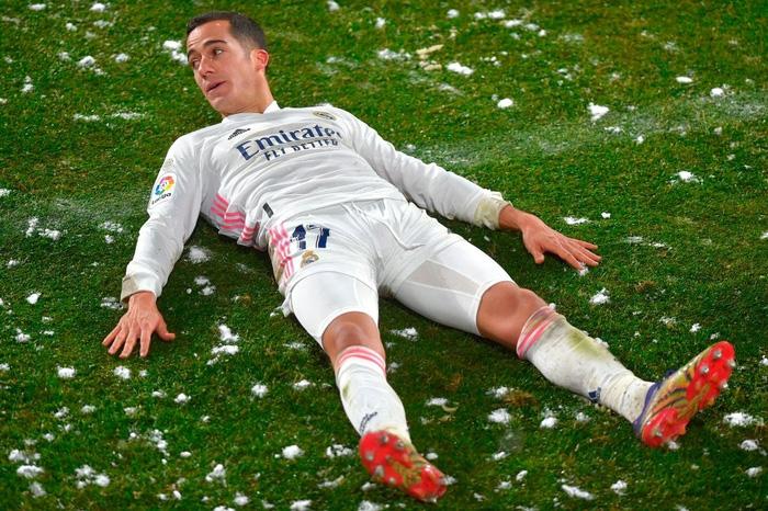 Real Madrid hòa không bàn thắng trong điều kiện thời tiết khắc nghiệt - Ảnh 1.