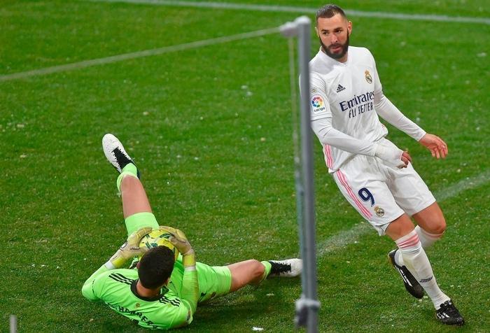 Real Madrid hòa không bàn thắng trong điều kiện thời tiết khắc nghiệt - Ảnh 6.