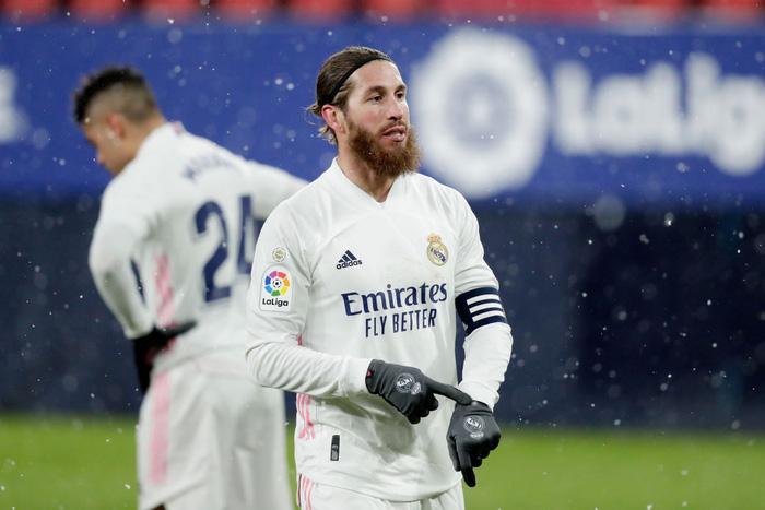 Real Madrid hòa không bàn thắng trong điều kiện thời tiết khắc nghiệt - Ảnh 10.