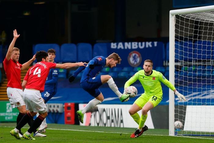 Chelsea và Man City thắng tưng bừng, nhưng cú sốc thảm bại cũng xảy ra với một đội Ngoại hạng Anh - Ảnh 3.