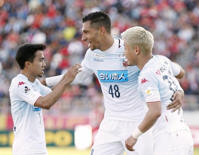 Cựu sao Premier League hé lộ những điều chờ đợi Đặng Văn Lâm khi đến Nhật Bản - Ảnh 3.