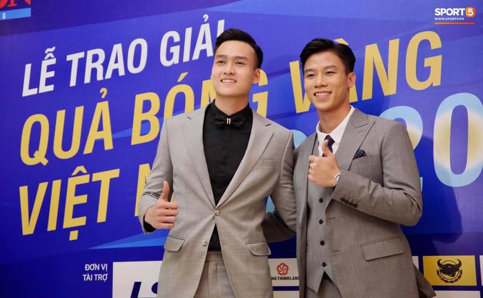Dàn tuyển thủ diện suit bảnh bao tới dự lễ trao giải Quả Bóng Vàng 2020 - Ảnh 5.