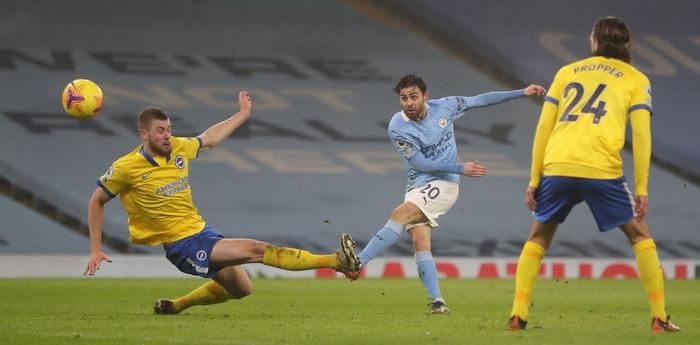 Man City lại thắng, sẵn sàng đe dọa ngôi đầu của Man Utd - Ảnh 3.