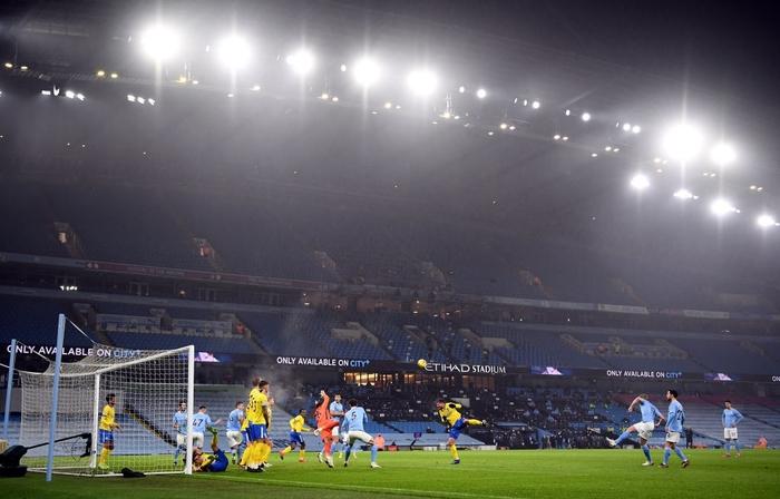 Man City lại thắng, sẵn sàng đe dọa ngôi đầu của Man Utd - Ảnh 1.