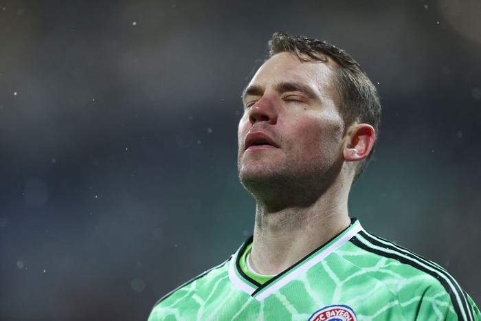 Thua sốc đội bóng hạng dưới, sao Bayern Munich thất thần, lủi thủi chia tay cúp Quốc gia Đức - ảnh 1