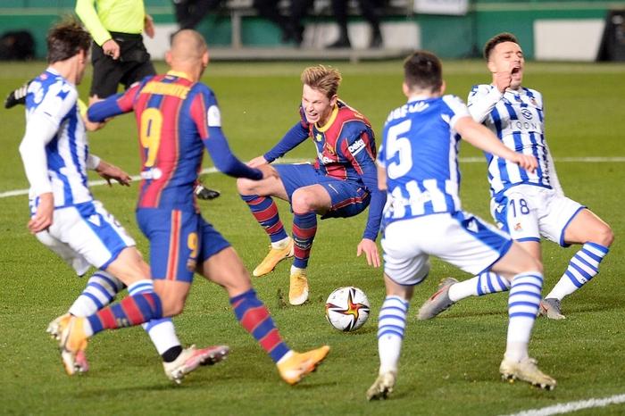 Barca vào Chung kết Siêu cúp Tây Ban Nha sau loạt luân lưu cân não - Ảnh 8.