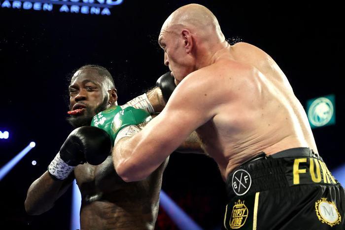 """Tyson Fury """"cạch mặt"""" Deontay Wilder sau khi đối thủ liên tục tìm lý do để biện hộ cho thất bại - Ảnh 1."""