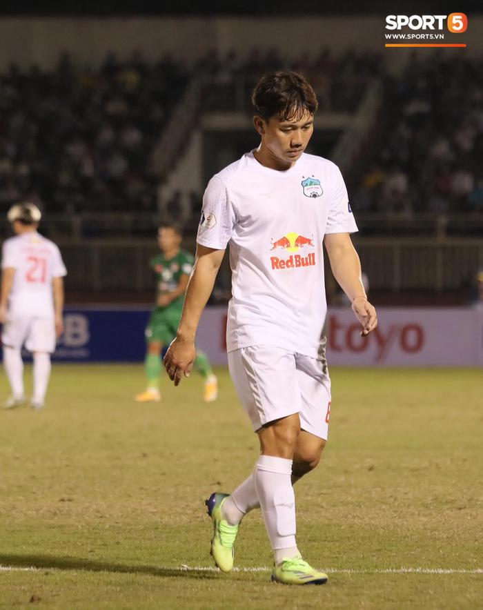 Công Phượng lốp bóng cực điệu nghệ, tân binh bị lãng quên của Sài Gòn FC xuất sắc cản phá ngay trước vạch vôi - ảnh 5