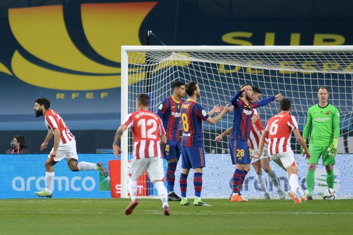 Messi ăn thẻ đỏ, Barca thất bại ở chung kết Siêu Cúp Tây Ban Nha - Ảnh 5.