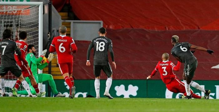 Bất phân thắng bại với kình địch Liverpool, Man Utd vững vàng trên ngôi đầu - Ảnh 8.