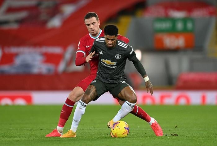 Bất phân thắng bại với kình địch Liverpool, Man Utd vững vàng trên ngôi đầu - Ảnh 3.
