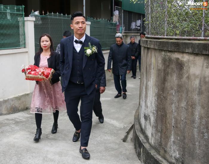 HLV Viettel tung hoả mù: Bùi Tiến Dũng bận lấy vợ vẫn có thể đấu Hà Nội FC ở Siêu cúp QG - Ảnh 1.